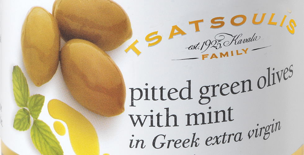 Pitted green olives with mint